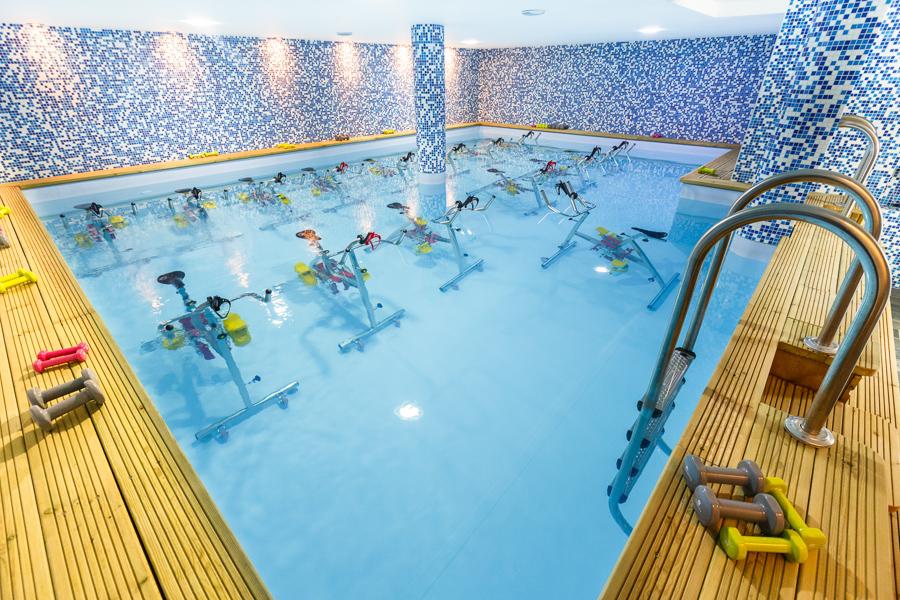 aqua by paris aquabike sport avis revue test aquabiking groupe coach